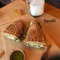 Foto tirada no(a) Las Nenas Café Bistrô por Larissa R. em 2/24/2018