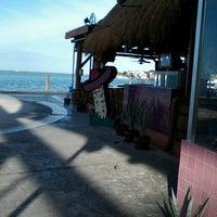 Foto tomada en Taco y Tequila por Isaa T. el 3/3/2013