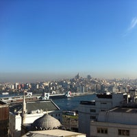 Foto tomada en Legacy Ottoman Hotel por Raitis N. el 4/12/2013