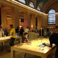 Photo taken at Apple Grand Central by Brian C. on 7/23/2013