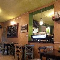 Foto tirada no(a) Brazuca Coffee por Chris C. em 9/11/2013