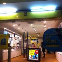 Photo taken at Digi Store Express by debtdash on 3/2/2016