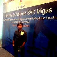 Photo taken at BPMIGAS Kantor Pusat by Reza on 2/27/2013