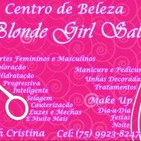 Photo taken at Blonde Girl Salon by Thaynah C. on 7/13/2014