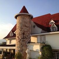 Foto tomada en Castillo De La Fantasia Gran Hotel por Mariangelica C. el 3/25/2013