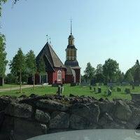 Photo taken at Hietaniemi Kyrka by Antti A. on 6/3/2013