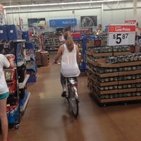5/26/2013にInez 1.がWalmart Supercenterで撮った写真