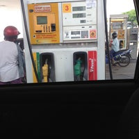 Photo taken at Shell, Pekan Gemenceh by aJ!JaH ^. on 5/2/2013