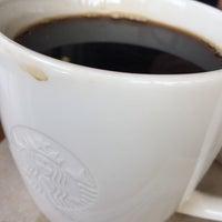 Photo taken at Starbucks by ,7TOMA™®🇸🇬 S. on 3/21/2017