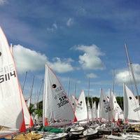 Das Foto wurde bei National Sailing Centre von ,7TOMA™®🇸🇬 S. am 11/4/2012 aufgenommen