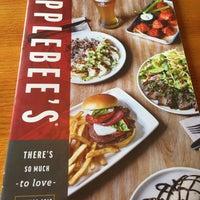 Photo taken at Applebee's Neighborhood Grill & Bar by Michael G. on 7/8/2017