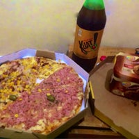 Photo taken at Pizza's by Gil F. on 2/9/2014