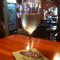 Photo prise au The Wine Den par Capt Joe le10/5/2013