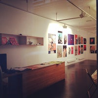 Photo taken at Kemistry Gallery by Sayaka I. on 12/23/2014