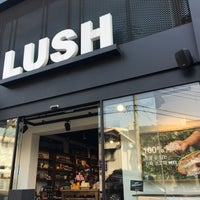 Photo taken at LUSH SPA Itaewon by Deric A. on 3/28/2016