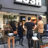 Photo taken at LUSH SPA Itaewon by Deric A. on 10/11/2016