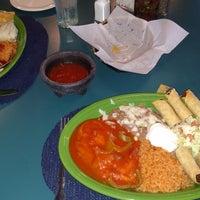 Foto tomada en Doña Maria Tamales Mexican Restaurant por So Cal K. el 8/20/2017