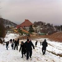 Das Foto wurde bei Kartepe Kayak Merkezi von Elif D. am 3/2/2014 aufgenommen