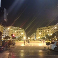 Photo taken at Aristotelous Square by Daria R. on 5/10/2013