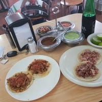 Foto tomada en Tacos Providencia por Bassik L. el 5/4/2018