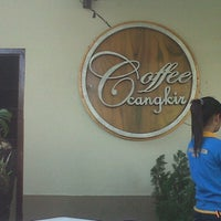 Photo taken at Coffee Cangkir by Paulina S. on 10/18/2012