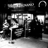 Photo prise au Caffè Vergnano 1882 par Joe S. le2/20/2014