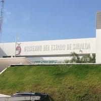 Photo taken at Unidad de Servicios Estatales (USE) Culiacán by Alejandro R. on 4/5/2013