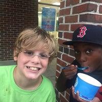 Photo taken at 32 Degrees: A Yogurt Bar by Aimee F. on 7/14/2016