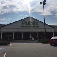 Photo taken at Publix by Aimee F. on 5/29/2016
