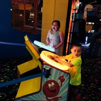 Photo prise au Northern Lights Arcade at Great Wolf Lodge par Candis O. le4/3/2014