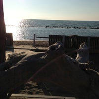 Photo taken at 40 Gradi All'Ombra beach bar by Ugo A. on 2/16/2013