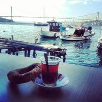 Photo taken at Tarihi Çınaraltı Aile Çay Bahçesi by Canan T. on 10/24/2013