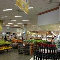 Foto tirada no(a) Sonda Supermercado por Michele S. em 3/7/2013