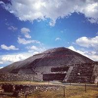 Foto tomada en Piramide del Sol por Suya W. el 12/31/2013