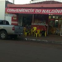 Photo taken at Conveniência do Naldinho by Murillo H. on 5/31/2013