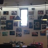 Снимок сделан в Corner Café & Kitchen пользователем Andrei V. 4/8/2018