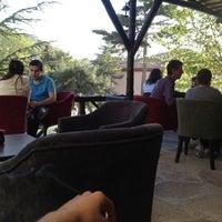 4/28/2013 tarihinde Fatih B.ziyaretçi tarafından Silenos Cafe'de çekilen fotoğraf