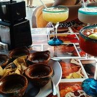 Foto tomada en Taco y Tequila por Omar C. el 4/12/2013