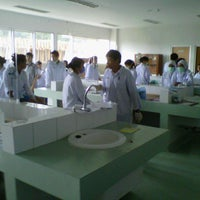 Photo taken at Laboratorium Kimia jur. Analis kesehatan by IvaL P. on 5/16/2013
