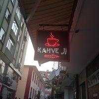 Photo taken at Kahve Ji by Zeki Ö. on 11/3/2013