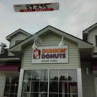 Photo taken at Dunkin' Donuts by Jason J. on 2/3/2013