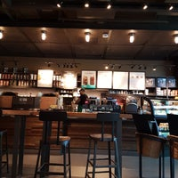 Photo taken at Starbucks by Fernanda N. on 5/23/2017
