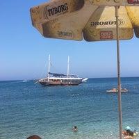 Photo taken at Oris Beach by Rojhad B. on 8/8/2018