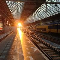 7/18/2013 tarihinde Dick d.ziyaretçi tarafından Station Amsterdam Centraal'de çekilen fotoğraf