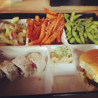 Photo prise au The Cowfish Sushi Burger Bar par Niña le6/10/2013