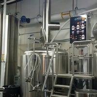 Foto tirada no(a) Mockery Brewing por Megan B. em 11/27/2014