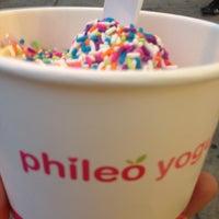 Photo taken at Phileo Yogurt by Kt T. on 7/23/2013