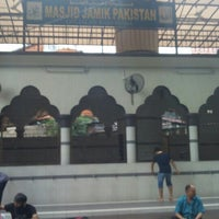 Photo taken at Masjid Jamik Pakistan by Wan Sadi on 12/9/2015