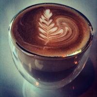 Foto tomada en Doppio Espresso por Richard v. el 6/10/2013