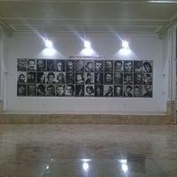 9/21/2014 tarihinde Zeynep Ç.ziyaretçi tarafından 75. Yıl Sanat Galerisi'de çekilen fotoğraf